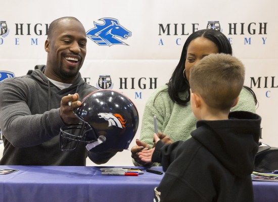 Vernon Davis Signing Event Thank You!